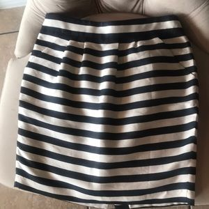 Banana Republic full striped skirt with pockets